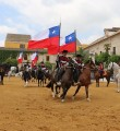 Chilenos y jinetes de Córdoba Ecuestre en la pista principal de Caballerizas Reales de Córdoba. Foto: Ramón Azañón.